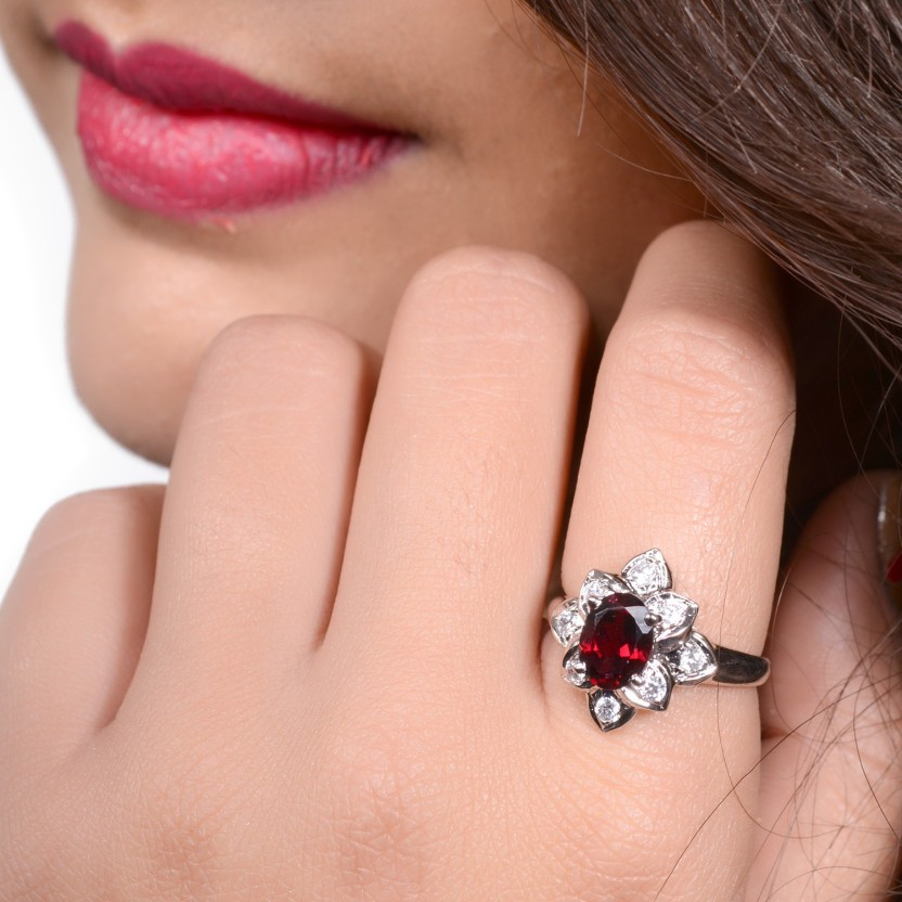 Factorywala Flower Shape Cz With Oval Garnet Silver Silver Plated Ring