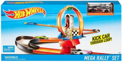Hot Wheels TAKE DOWN YOUR OPPONENT TURBO RACE SET