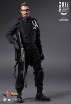 Hot Toys Sideshow Batman Dark Knight Lt Jim Gordon Swat Version
