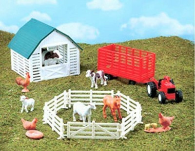 Popal New-Ray Mfg. Ltd. Country Life Playsets Farm Set