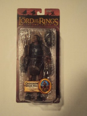 Toy Biz LOTR-TRILOGY-TWO TOWERS-SERIES 1- CROSSBOW URUK-HAI