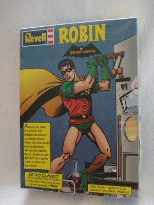 Revell Robin The Boy Wonder (Batman & Robin) 1/8Th Scale Plastic