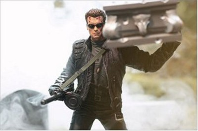 Terminator T3 Rise Of The Machines > T850 With Coffin