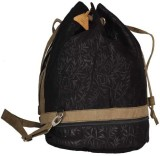 Tashii Black Leaf 12 L Backpack (Black)