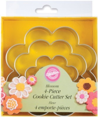 Wilton Nesting Metal Cutter Set Cookie Cutter(Pack of 4)