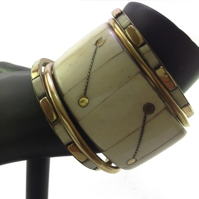 Shiv Kutumb Stone, Metal Bracelet