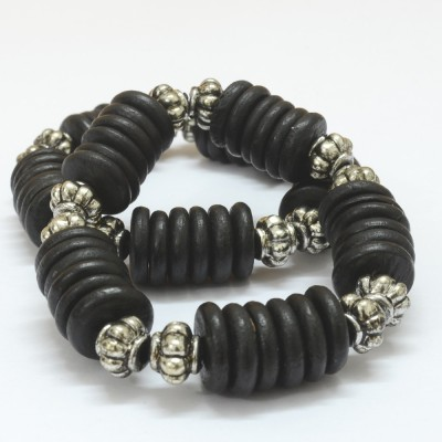 Foppish Mart Wood Beads Bracelet