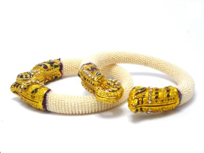 Sujwel Zinc, Resin Pearl Enamel, Yellow Gold Kada