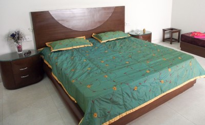Decor Muse Silk King Bed Cover
