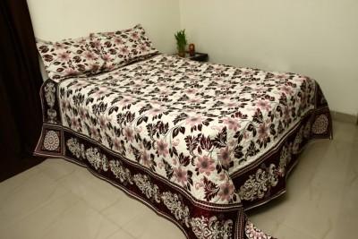 Lavish Velvet, Polyester Queen Bed Cover