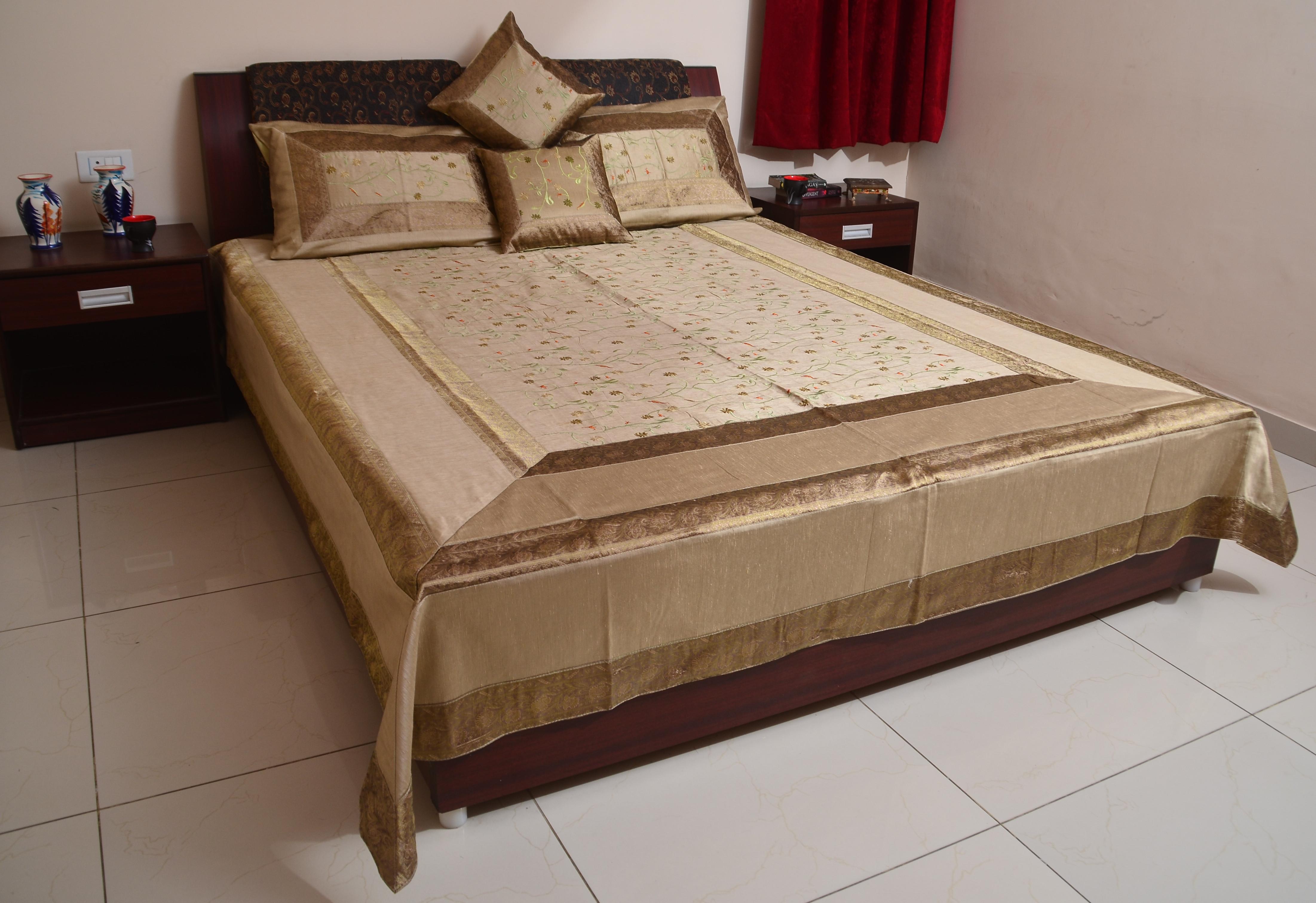 Sukriti Silk, Cotton King Bed Cover