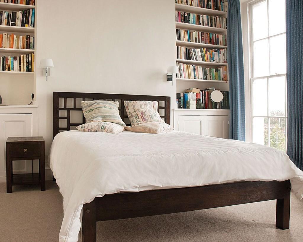 TEZERAC Solid Wood Queen Bed