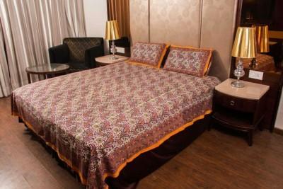 Spellos Cotton Paisley Double Bedsheet