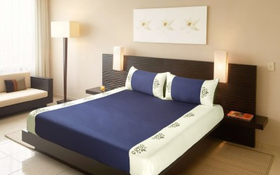 Fisher West New York Polycotton Embroidered King sized Double Bedsheet
