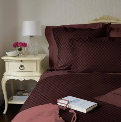 RR Textile House Satin Checkered King sized Double Bedsheet