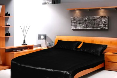 Dreams Satin Plain King sized Double Bedsheet