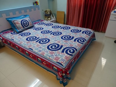 RK Raag Rang Cotton Geometric Queen sized Double Bedsheet