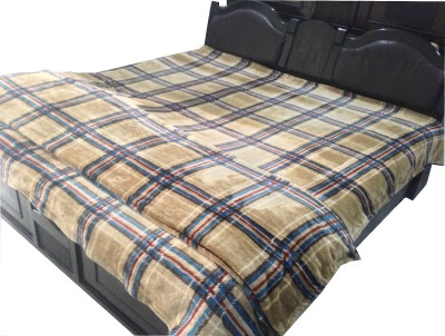 Shopgalore Checkered Double Blanket Beige