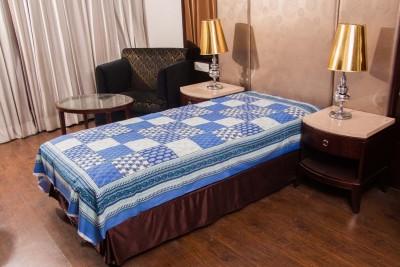 Manasvi Innovation Cotton Floral Single Bedsheet