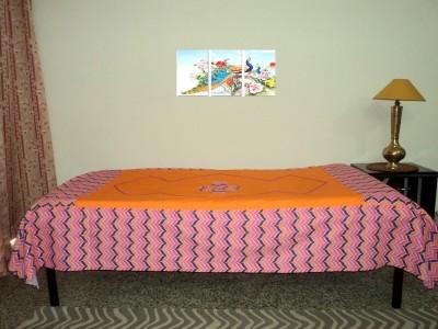 Amita Home Furnishing Cotton Floral Single Bedsheet