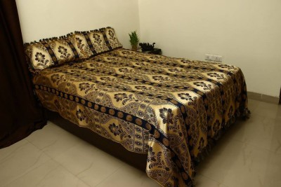 Lavish Satin Embroidered Queen sized Double Bedsheet