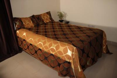 Lavish Satin Geometric Queen sized Double Bedsheet