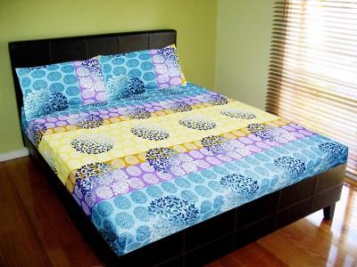 Vibrant Homze Polycotton Abstract Double Bedsheet