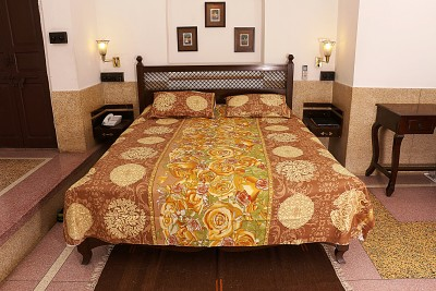 Soundarya Cotton Abstract Queen sized Double Bedsheet
