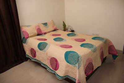 Lavish Satin Floral Queen sized Double Bedsheet
