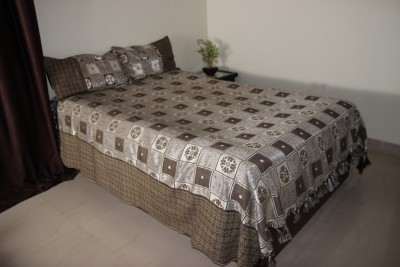 Lavish Satin Abstract Queen sized Double Bedsheet