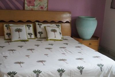 Imli Street Cotton Abstract Queen sized Double Bedsheet