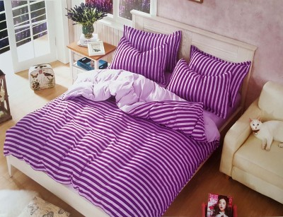 Aastha Home Decor Polycotton Striped Queen sized Double Bedsheet