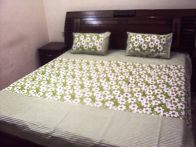 Cuckoo Cotton Floral Queen sized Double Bedsheet