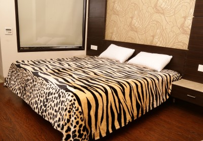 Tima Animal Double Blanket Beige
