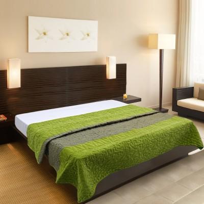 Needlecrest Plain Queen Quilts & Comforters Green
