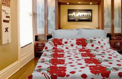 Snuggle Floral Single Blanket Red, Green, White