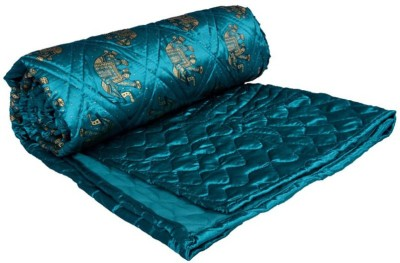 OM PRINTS Self Design Double Quilts & Comforters Green