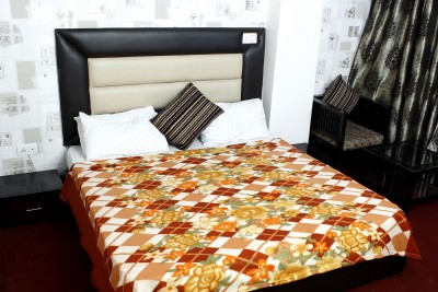 The Chaddar Abstract Double Blanket Multicolor
