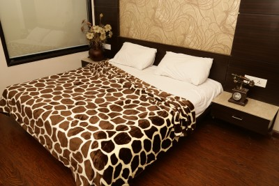 Tima Abstract Double Blanket Brown