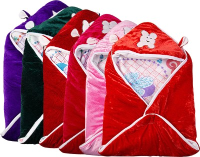 Utc Garments Cartoon Single Blanket Red, Pink, Dark Green, White