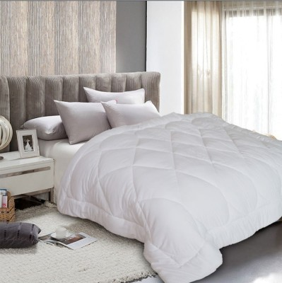 St. Cloud Plain Single Quilts & Comforters White