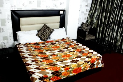 The Chaddar Floral Double Blanket Multicolor
