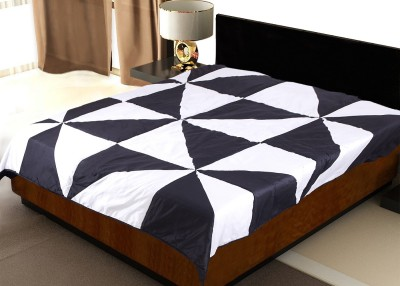 Zikrak Exim Geometric Double Quilts & Comforters Black & White(Double Quilt) at flipkart