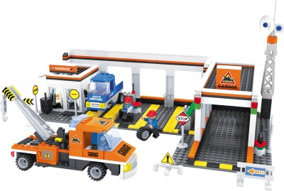 Funblox City Garage With Car, Mechanics And Tow Trucks