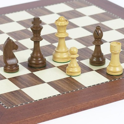 Bello Games New York, Inc. Wooden Staunton Aristocrat Chessmen Board Game