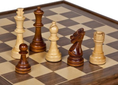 Bello Games New York, Inc. Traditional Staunton Giant Chessmen King 5