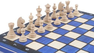 ChessCentral Wooden Magnetic Travel Chess Set With Blue Chess Board Game