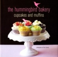 The Hummingbird Bakery Cupcakes and Muffins price comparison at Flipkart, Amazon, Crossword, Uread, Bookadda, Landmark, Homeshop18