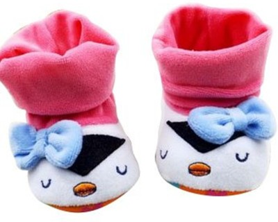 Baby Bucket Pre-Walker Shoes Light Weight Soft Sole socktop White and pink Color with cute bow Booties Shoes Booties