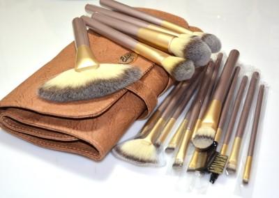 L.A. Minerals Makeup Brush Set
